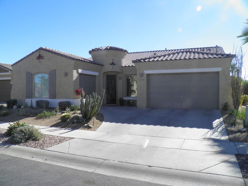 Photo of 761 E INDIAN WELLS Place, Chandler, AZ 85249