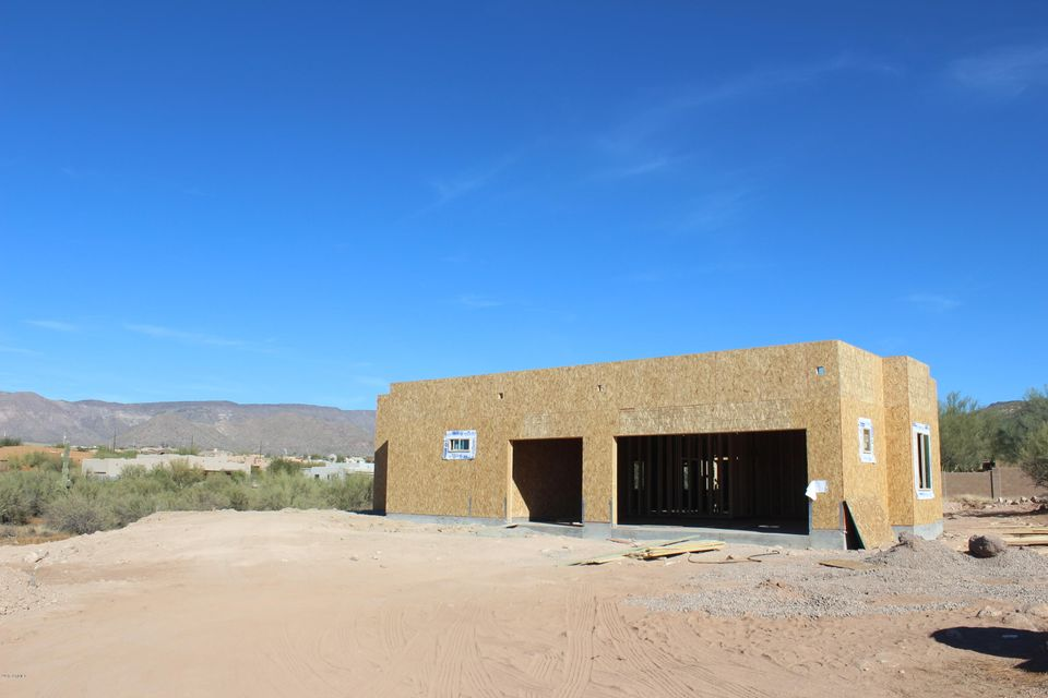 MLS 5692919 1724 E Circle Mountain Road, New River, AZ 85087 New River AZ Newly Built
