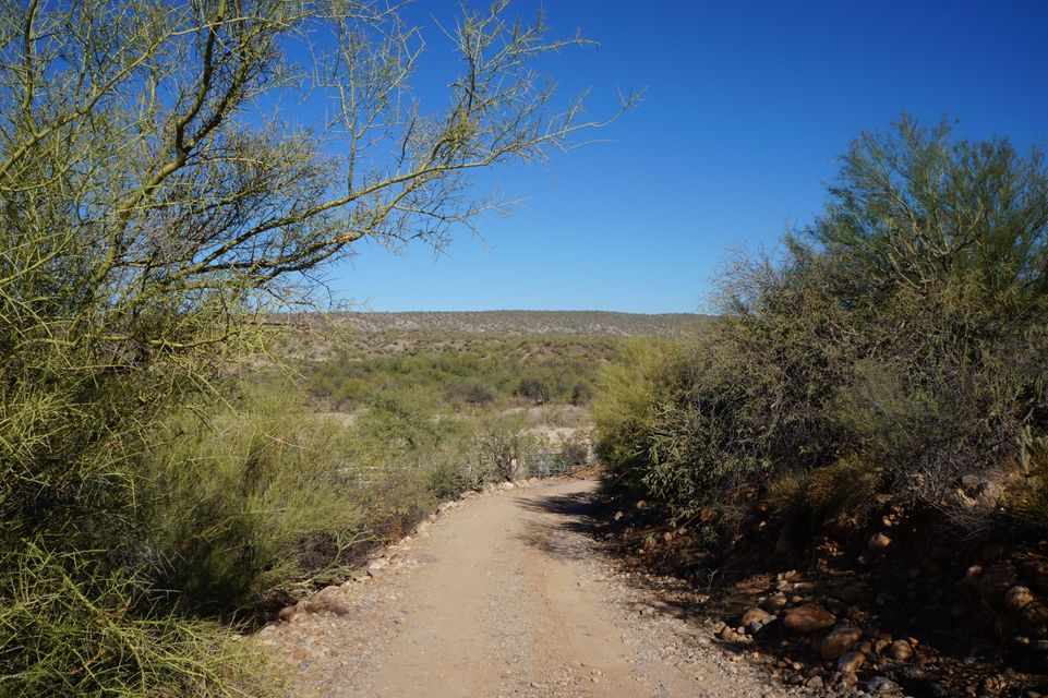 MLS 5692278 3220 S Rincon ( AKA 36600 S. Rincon) Road, Wickenburg, AZ Wickenburg AZ Luxury