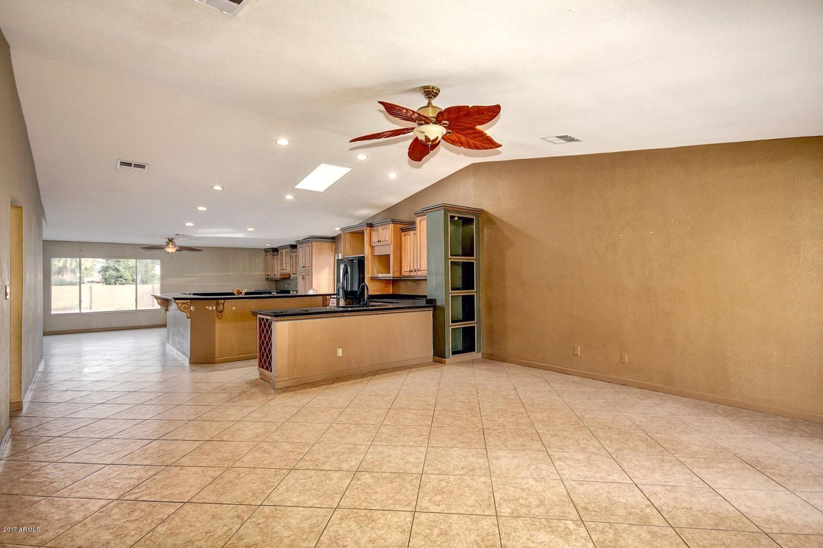 11828 S HALF MOON Drive Phoenix, AZ 85044 - MLS #: 5693909