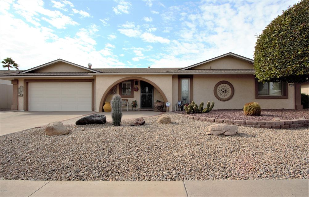 10505 W Willowcreek Cir, Sun City, AZ 85373