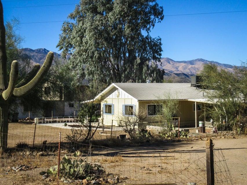 20440 E Feldspar Ln, Black Canyon City, AZ 85324