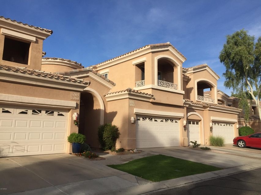 MLS 5699501 3800 S CANTABRIA Circle Unit 1062, Chandler, AZ 85248 Community Pools