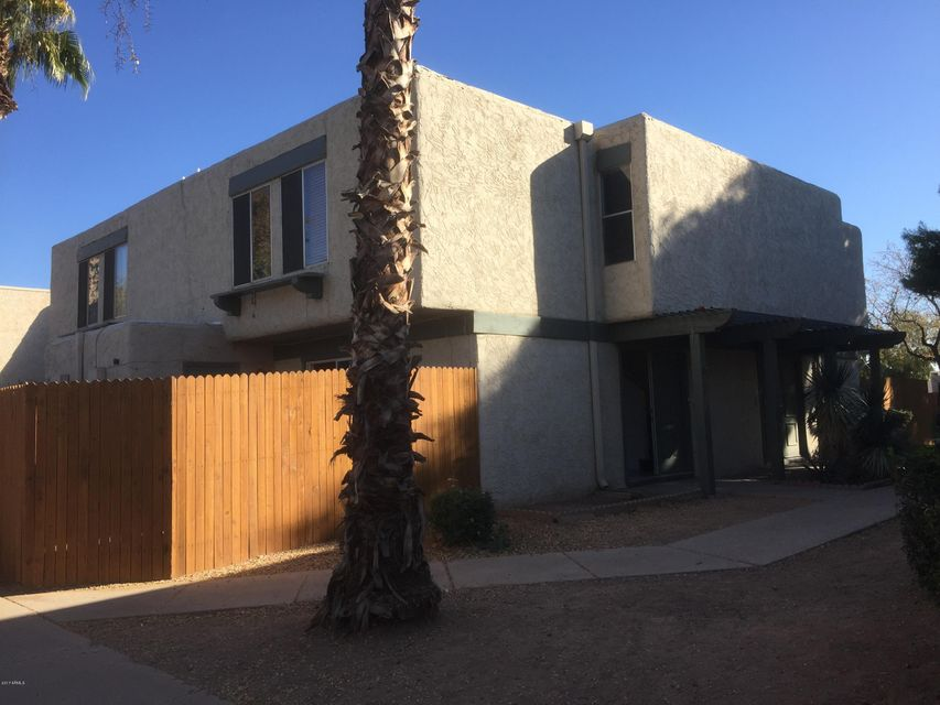 Photo of 5934 W GOLDEN Lane, Glendale, AZ 85302