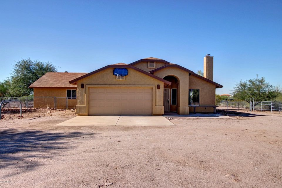 Photo of 1904 S SIXSHOOTER Road, Apache Junction, AZ 85119