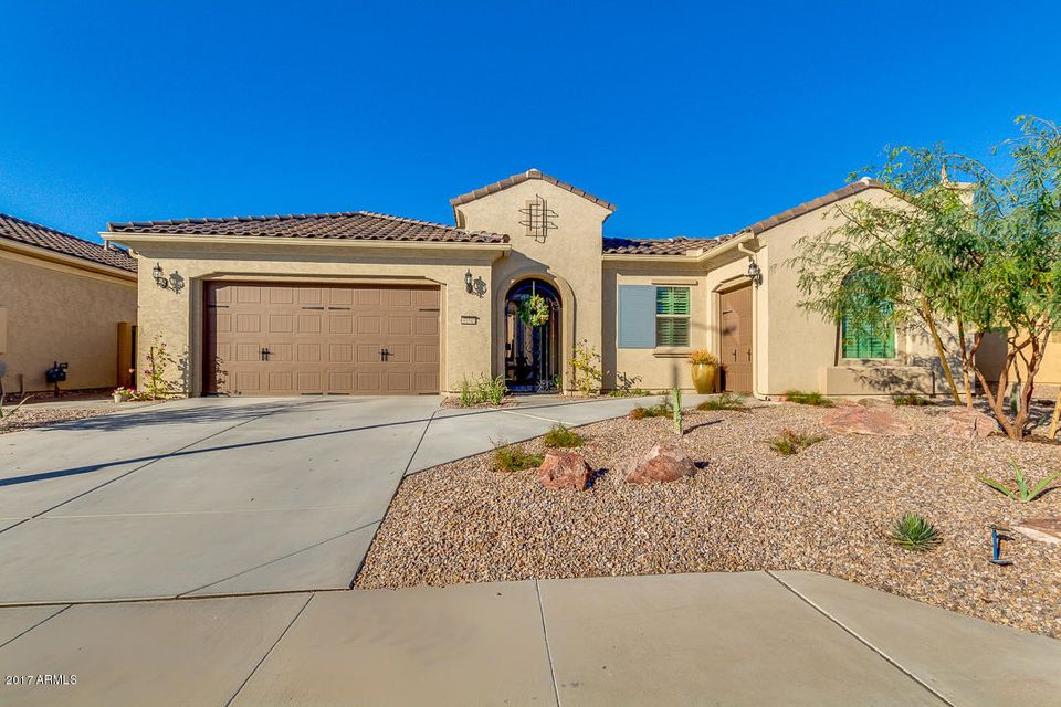 Photo of 6150 S PINALENO Place, Chandler, AZ 85249
