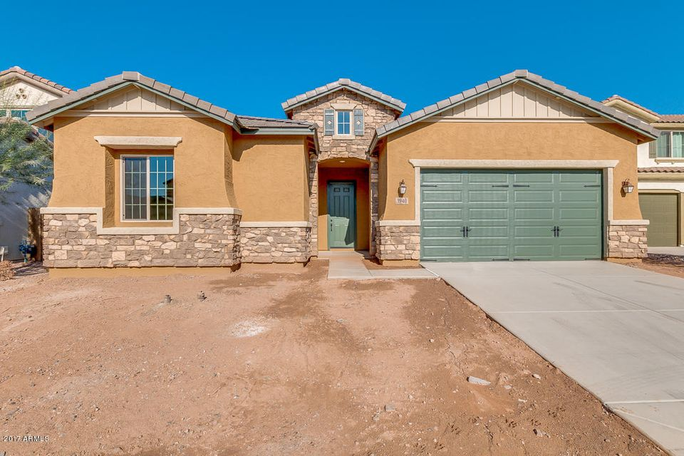 Photo of 1940 E HORSESHOE Drive, Chandler, AZ 85249