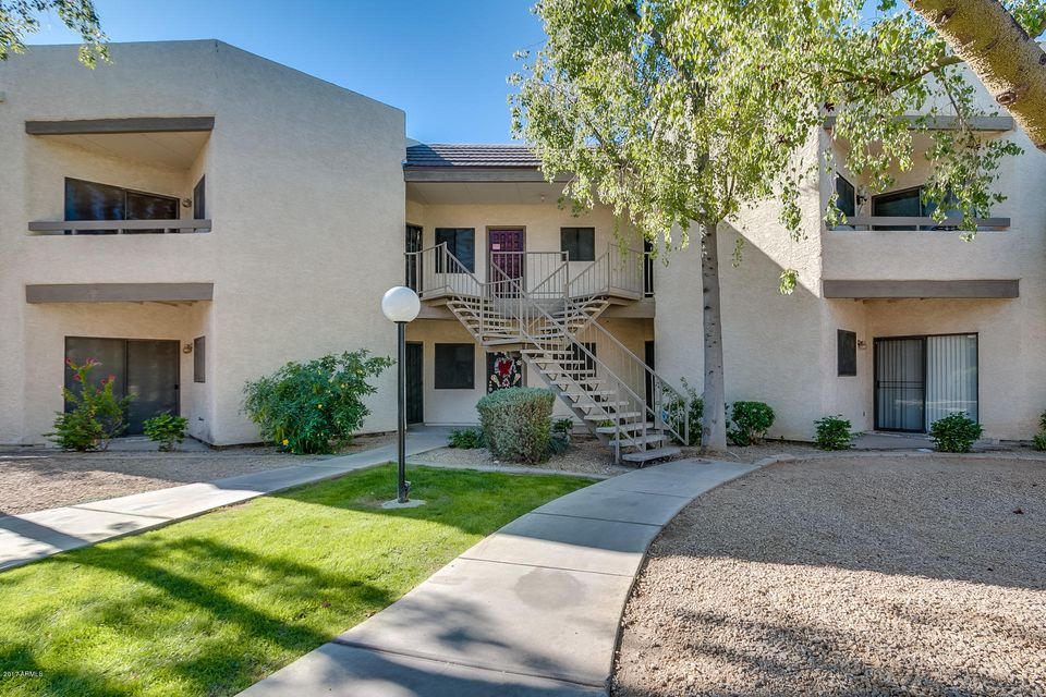 Photo of 1287 N ALMA SCHOOL Road #220, Chandler, AZ 85224