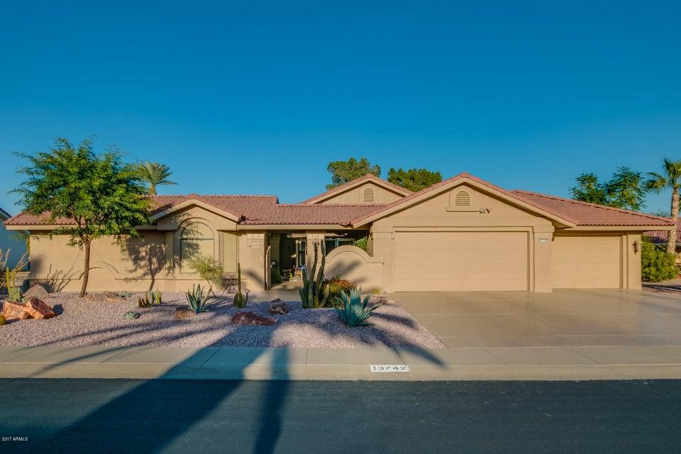 Photo of 13742 W SUMMERSTAR Drive, Sun City West, AZ 85375