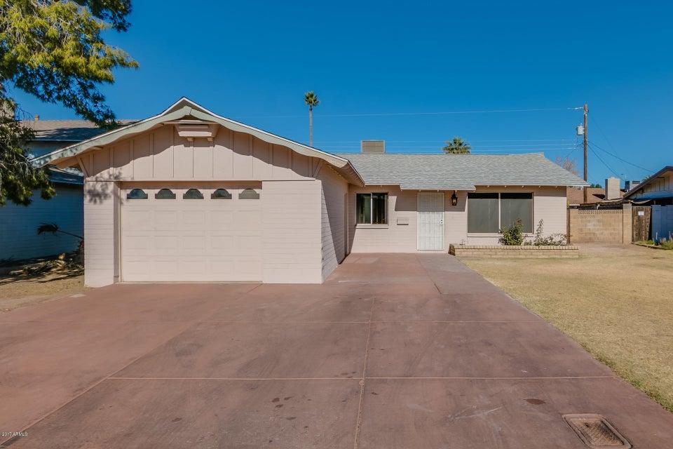 Photo of 4406 W CLAREMONT Street, Glendale, AZ 85301