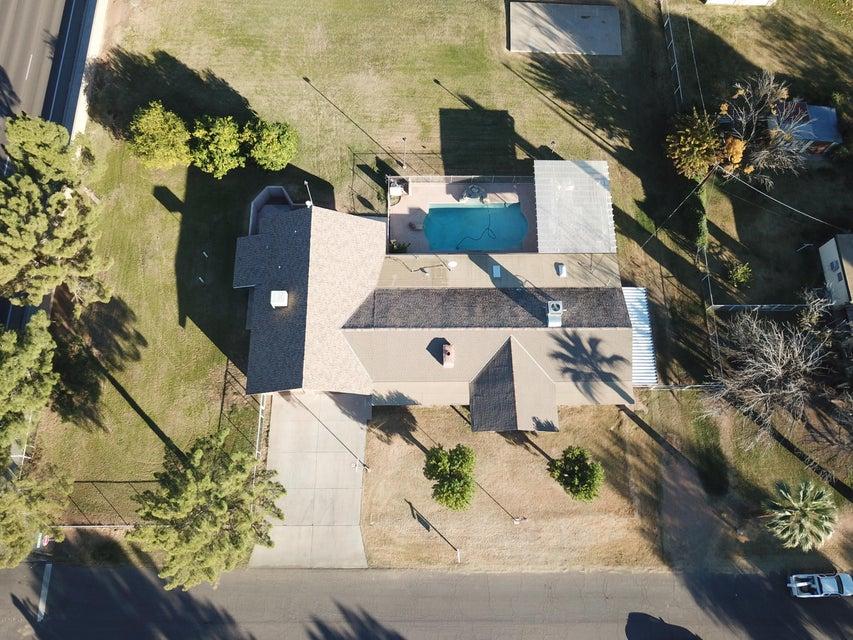 Photo of 3228 E REDFIELD Road, Gilbert, AZ 85234