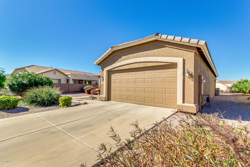 MLS 5702936 6630 S WHETSTONE Place, Chandler, AZ 85249 Chandler AZ Springfield Lakes