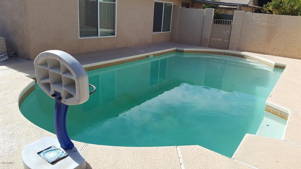 MLS 5692514 5520 W GOLDEN Lane, Glendale, AZ Glendale AZ Private Pool