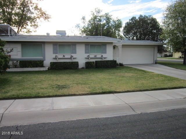 Photo of 10021 W LAKEVIEW Circle N, Sun City, AZ 85351