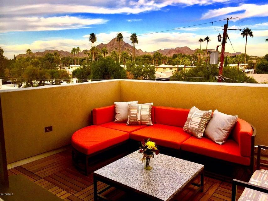 Photo of 1400 E BETHANY HOME Road #1, Phoenix, AZ 85014