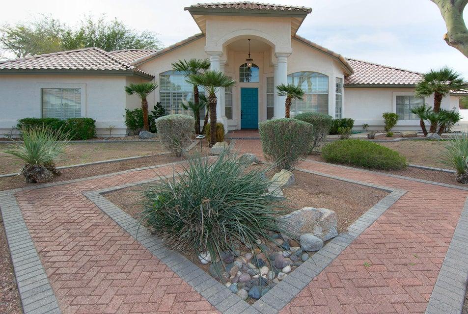 5333 W Soft Wind Dr, Glendale, AZ 85310