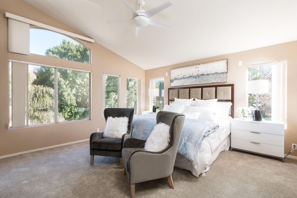 5952 W Morning Dove Dr, Glendale, AZ 85308