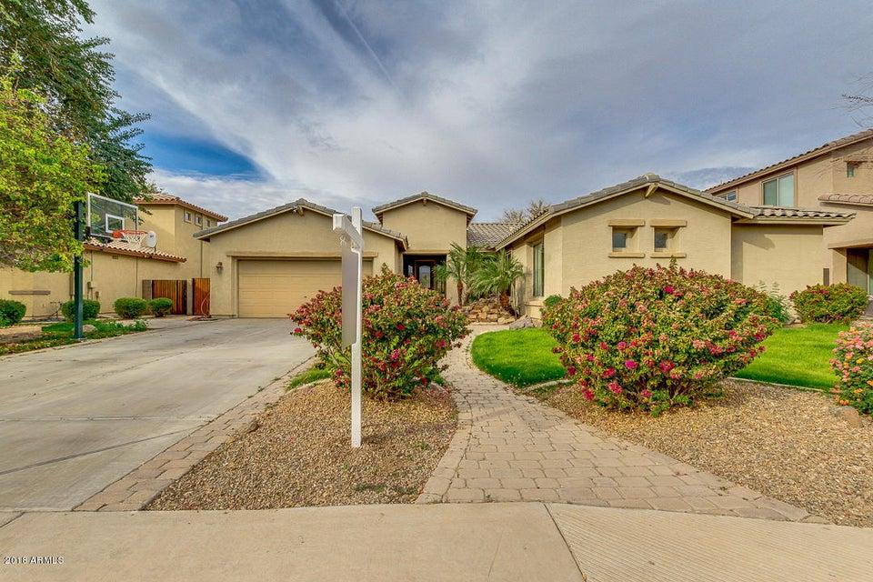 Photo of 4226 S LINDL Drive, Chandler, AZ 85249