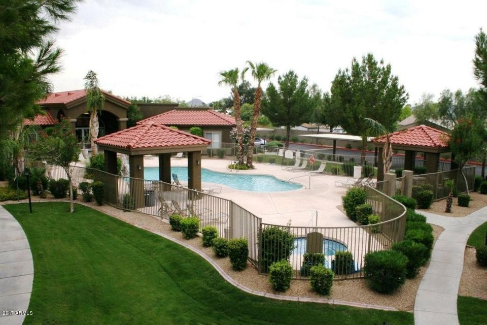 MLS 5709548 2929 W YORKSHIRE Drive Unit 1111, Phoenix, AZ 85027 Waterfront Homes in Phoenix