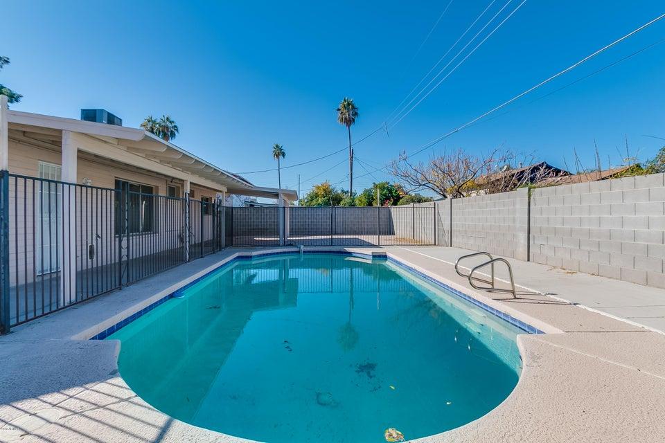 MLS 5703117 4406 W CLAREMONT Street, Glendale, AZ Glendale AZ Private Pool