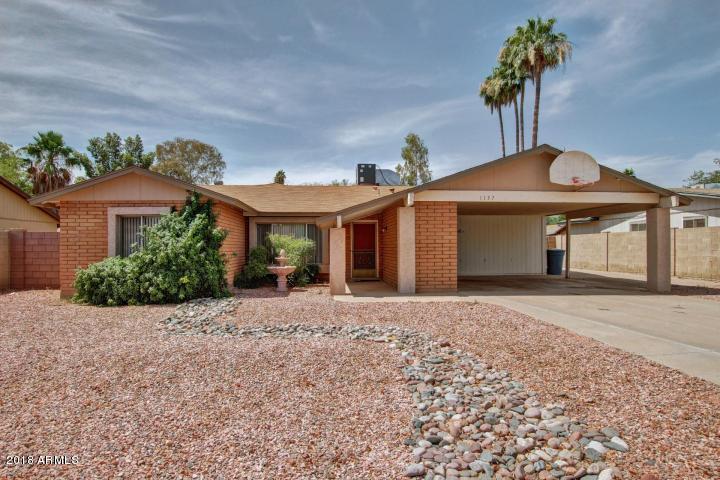 Photo of 1137 W MANHATTON Drive, Tempe, AZ 85282