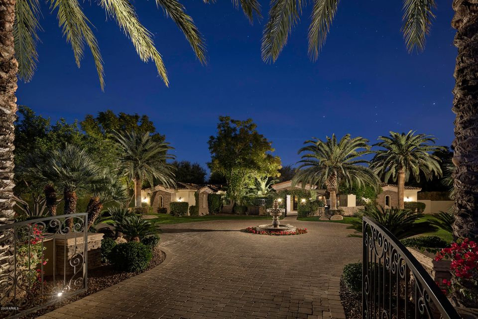 Photo of 6635 N 66th Place, Paradise Valley, AZ 85253