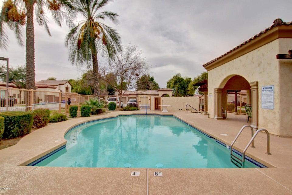 MLS 5710343 150 N LAKEVIEW Boulevard Unit 2, Chandler, AZ Chandler AZ Luxury