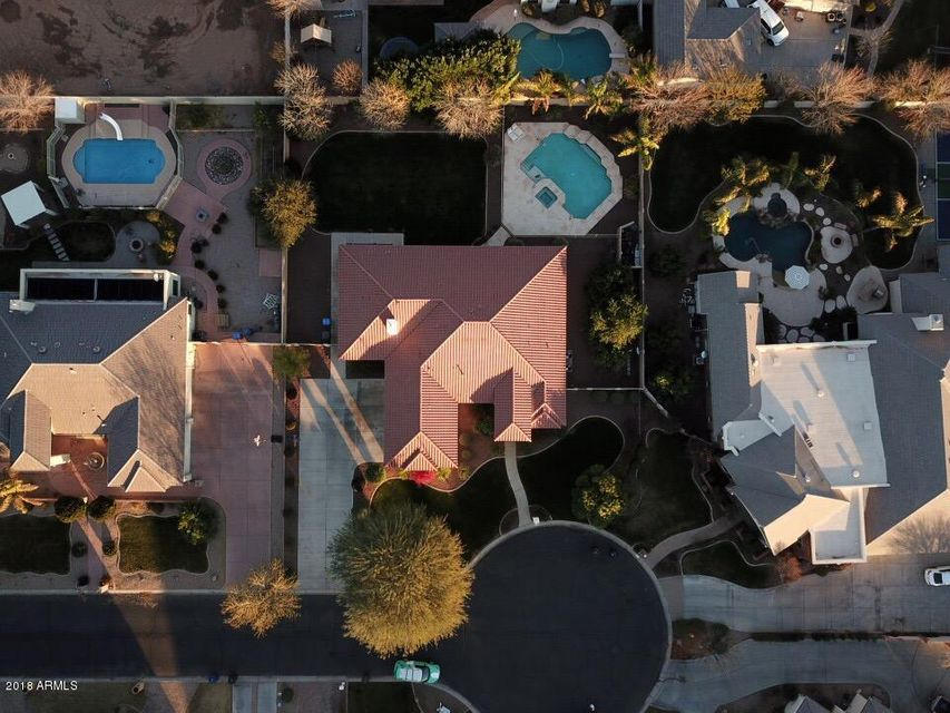 MLS 5707744 305 S RACINE Court, Gilbert, AZ 85296 Gilbert AZ Circle G