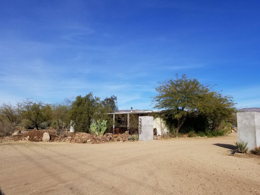 MLS 5710186 44405 N NEW RIVER Road, New River, AZ 85087 New River AZ Mountain View