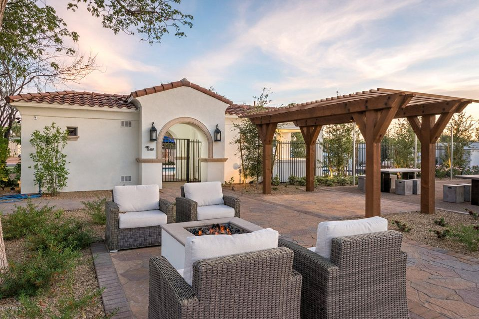 Additional photo for property listing at 3906 E Crittenden Lane 3906 E Crittenden Lane Phoenix, アリゾナ,85018 アメリカ合衆国