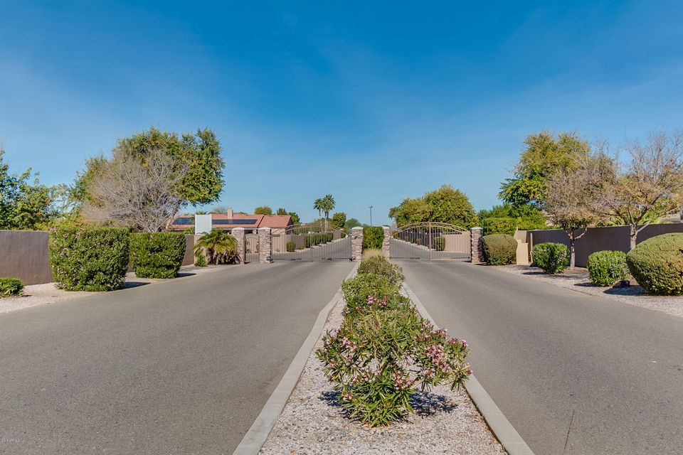 MLS 5723404 18514 W RANCHO Court, Litchfield Park, AZ 85340 Litchfield Park AZ One Plus Acre Home