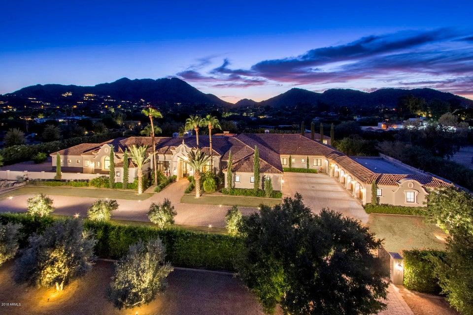 Частный дом для того Продажа на 8700 N 52nd Street 8700 N 52nd Street Paradise Valley, Аризона,85253 Соединенные Штаты
