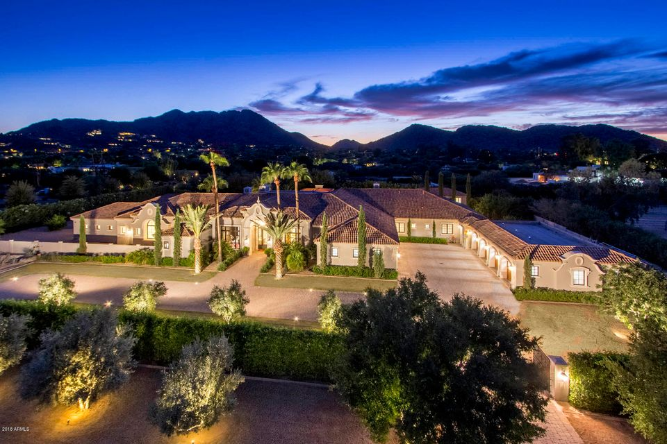 Single Family Home for Sale at 8700 N 52nd Street 8700 N 52nd Street Paradise Valley, Arizona,85253 United States