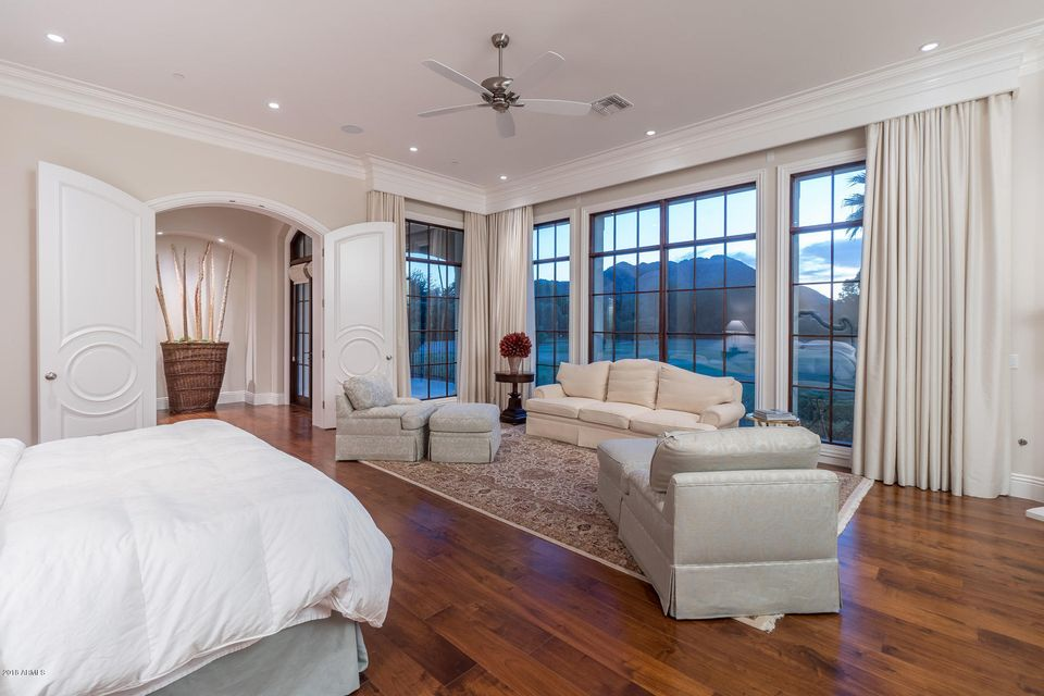 Additional photo for property listing at 8700 N 52nd Street 8700 N 52nd Street Paradise Valley, Arizona,85253 États-Unis