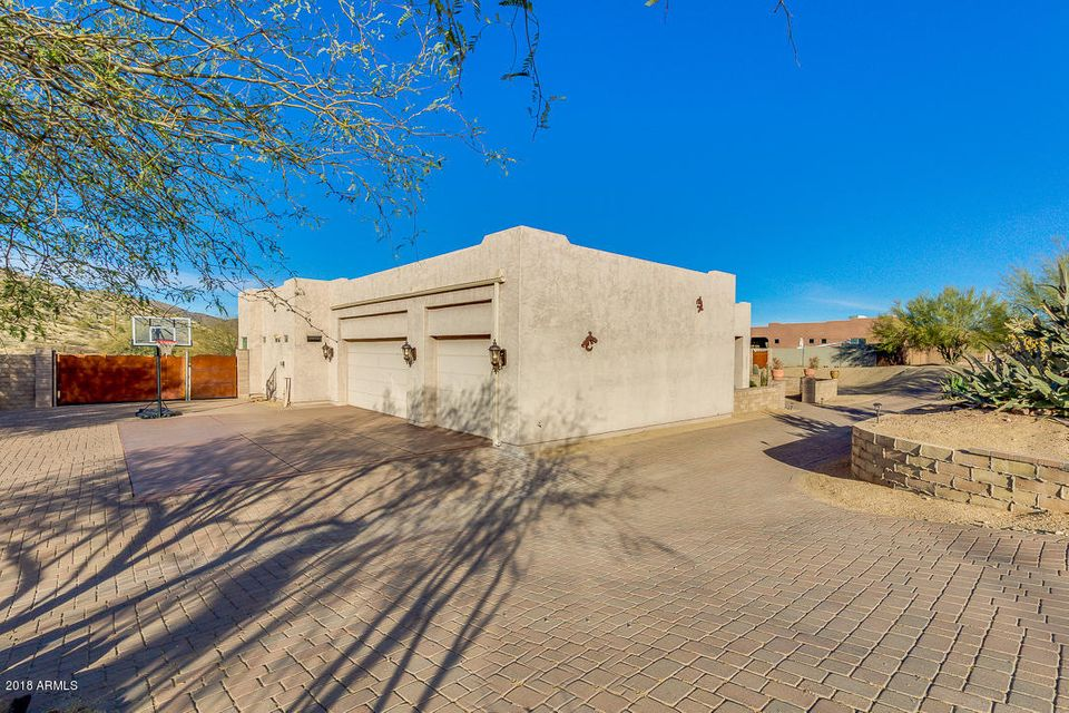 MLS 5711918 44206 N 10TH Street, New River, AZ 85087 New River AZ Private Pool