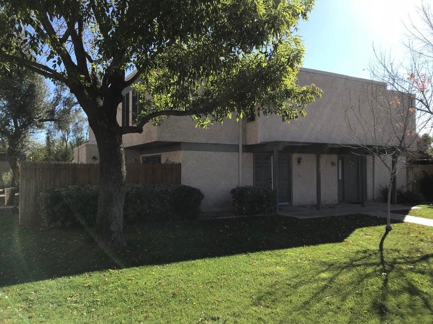 Photo of 5916 W TOWNLEY Avenue, Glendale, AZ 85302