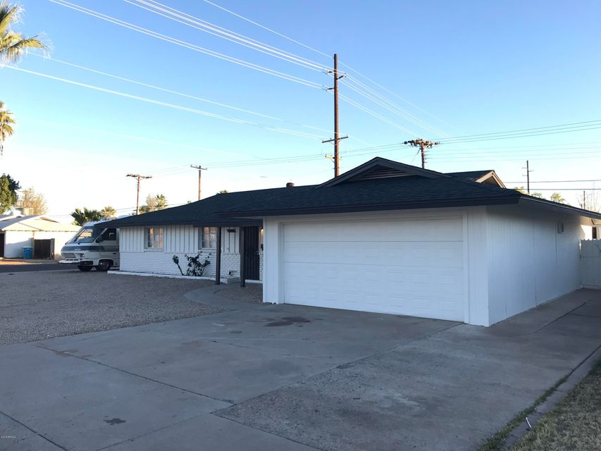 Photo of 3703 W LAWRENCE Road, Phoenix, AZ 85019
