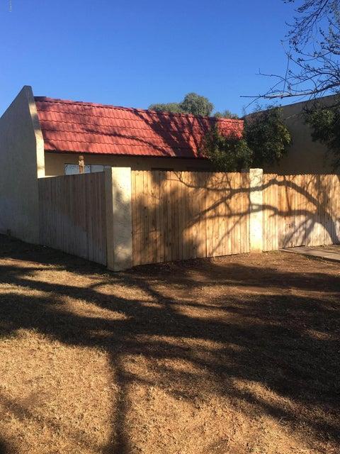 Photo of 3327 W DEL MONICO Lane, Phoenix, AZ 85051