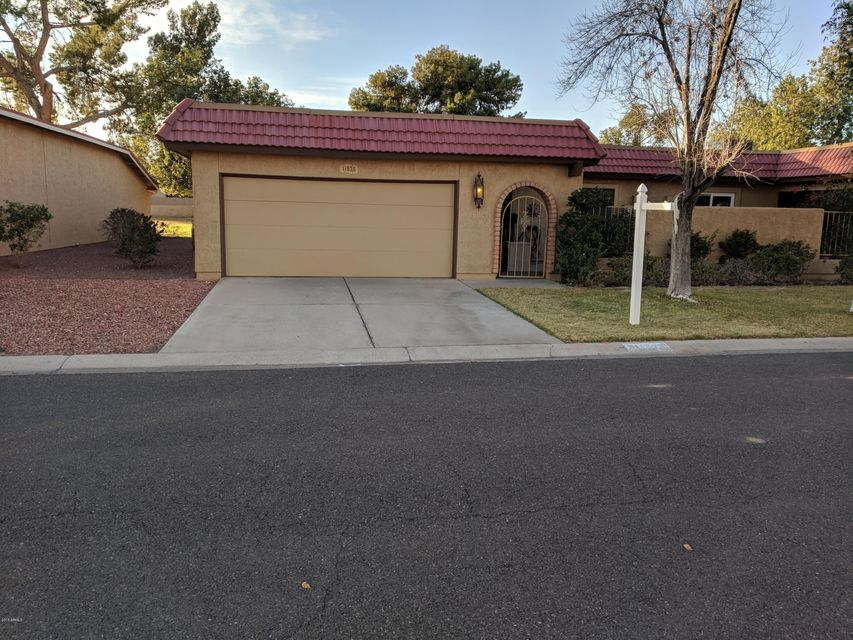 Photo of 11828 S TONOPAH Drive, Phoenix, AZ 85044