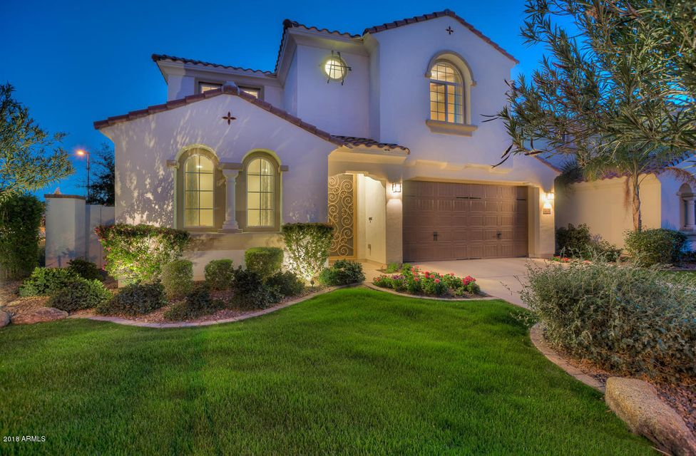 Photo of 2321 W DESERT BROOM Place, Chandler, AZ 85248