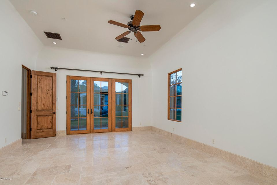 Additional photo for property listing at 8602 N 58th Place 8602 N 58th Place Paradise Valley, Arizona,85253 United States