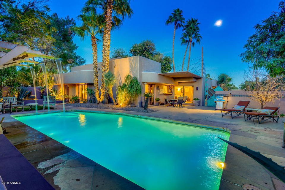 Photo of 9842 N 48th Place, Paradise Valley, AZ 85253