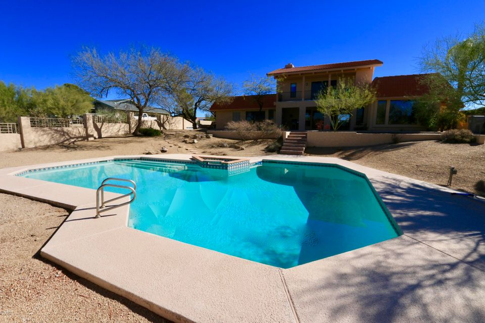 MLS 5716404 9014 E LAZYWOOD Place, Carefree, AZ Carefree AZ Private Pool