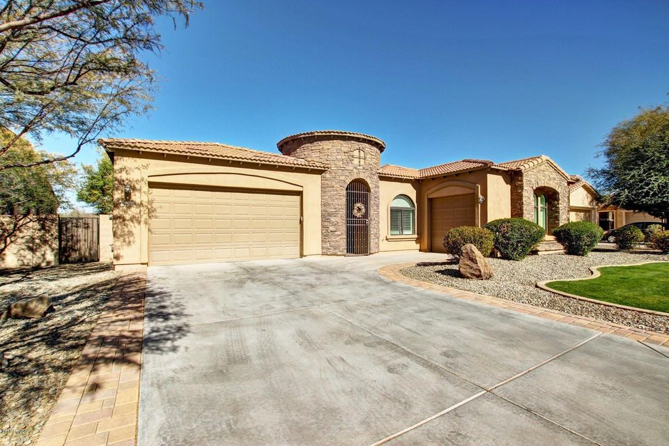 Photo of 3122 E san carlos Place, Chandler, AZ 85249