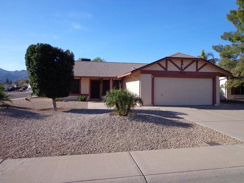 Photo of 10832 S SHOSHONI Drive, Phoenix, AZ 85044