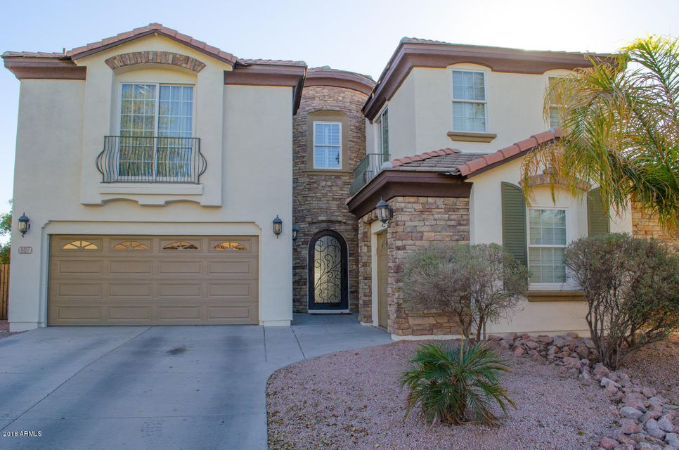 Photo of 807 E BLUE RIDGE Way, Chandler, AZ 85249