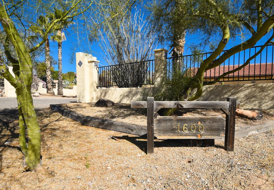 MLS 5720198 1600 W YUCCA Drive, Wickenburg, AZ Wickenburg AZ Private Pool