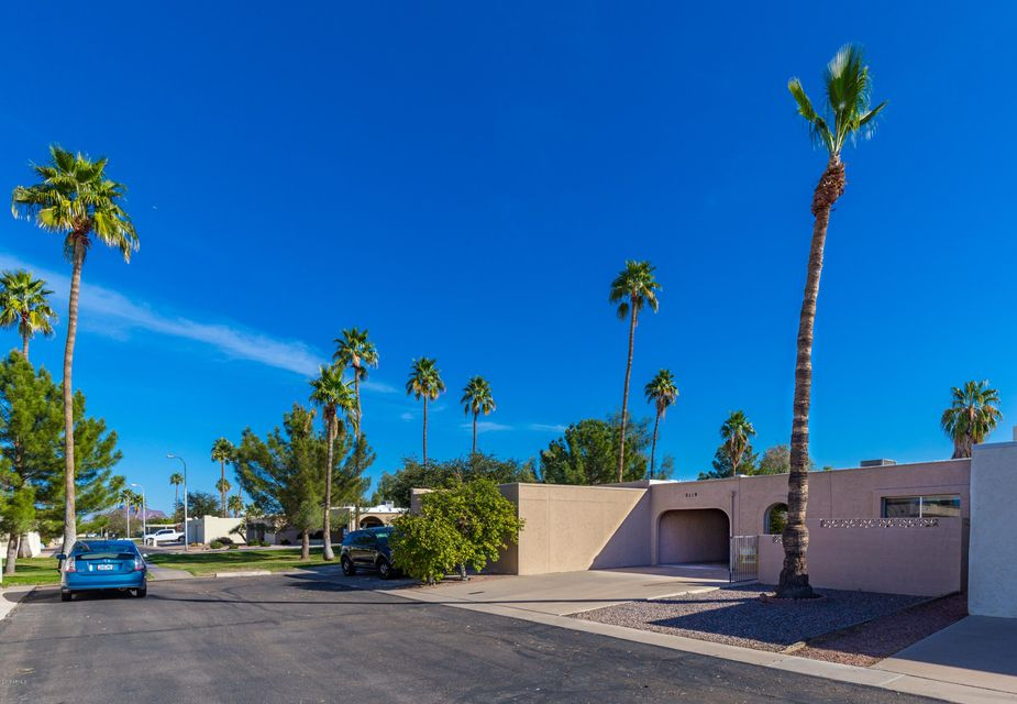Photo of 2119 N RECKER Road, Mesa, AZ 85215