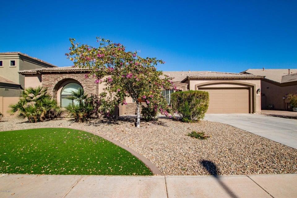 Photo of 3336 E BARTLETT Place, Chandler, AZ 85249