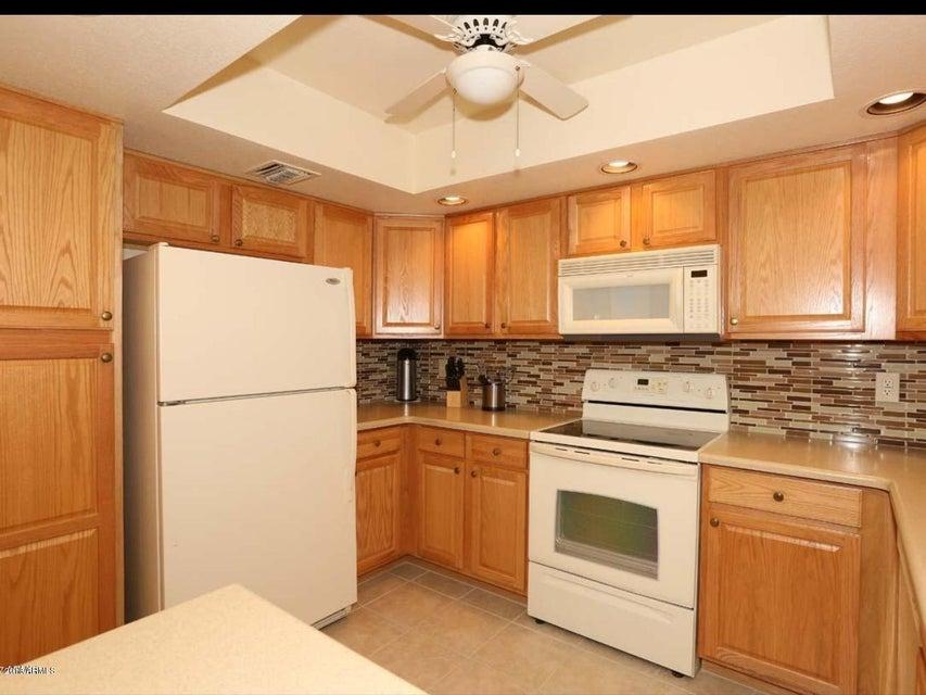 Photo of 12222 N PARADISE VILLAGE Parkway S #435, Phoenix, AZ 85032